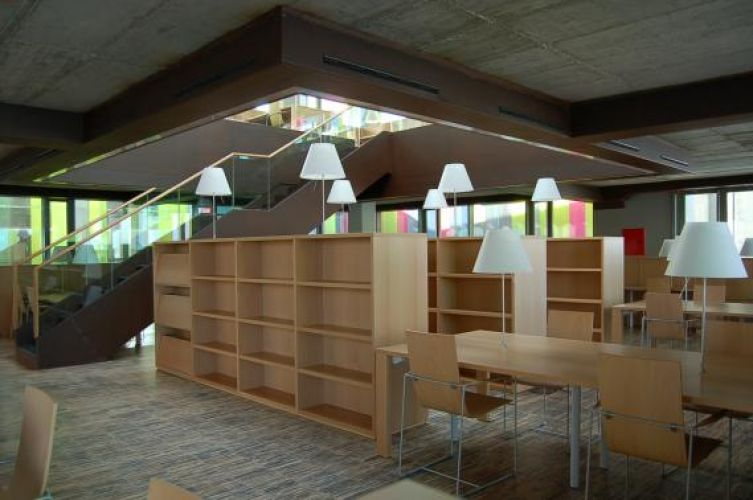 Library at Río Hortega Hospital