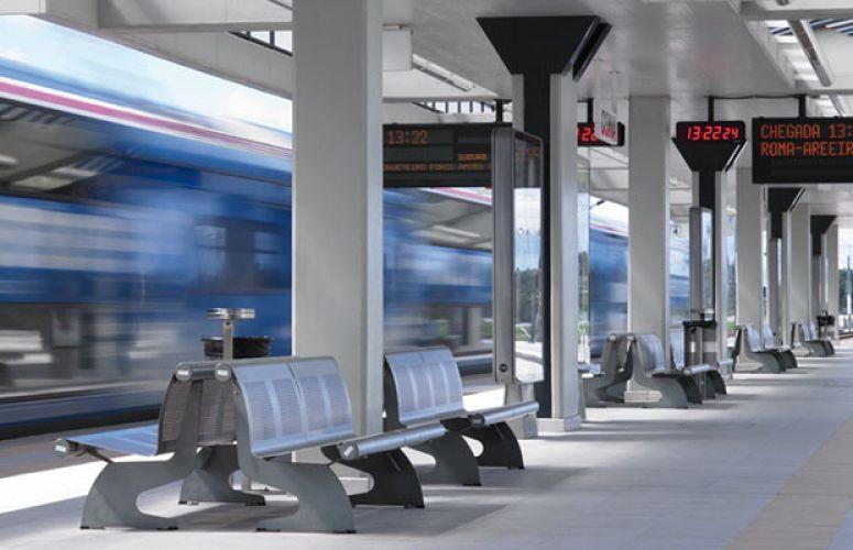 Coina Railway Station, VACANTE Bench