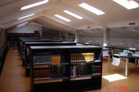 Balaguer Library (Spain). JAKIN shelving system.
