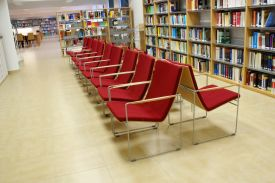 Labour University, Gijon (Spain). HAMMOK chair. JAKIN shelving system.
