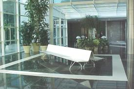 World Trade Centre, Montevideo (Uruguay). AERO aluminium bench.