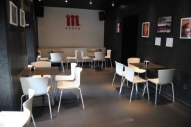 Toloño Bar, Vitoria-Gasteiz (Spain). SLAM chair and PLANC table