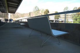 CUY Student Centre, California (USA). AERO aluminium bench.