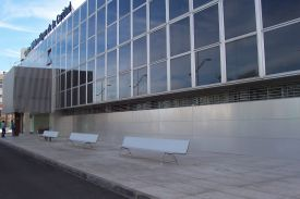 Virgen de la Caridad Medical Center, Cartagena, Murcia (Spain). AERO aluminium bench