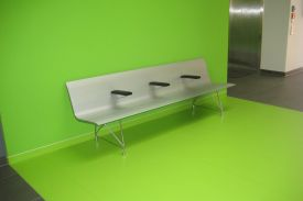 Health Centre in Luthersdad-Wittenberg (Germany). AERO aluminium bench.