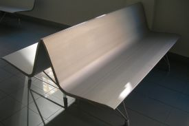 La Victoria Healthcare Centre, Valladolid (Spain). AERO aluminium bench.