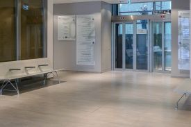 La Colline Hospital in Geneve, (Switzerland). AERO aluminium bench