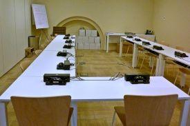 Mobiliario para salas y espacios abiertos en museos sellex for Oficina gas natural sabadell