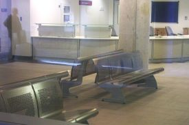 HammerSmith Hospital, London (UK). VACANTE bench.