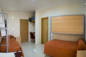 Etagenbett Jugendherberge : Moderne loft mit etagenbett in jugendherberge schlafsaal