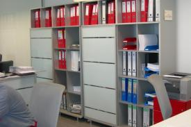 Roper Offices, Burgos (Spain). KUBRIK shelving-units