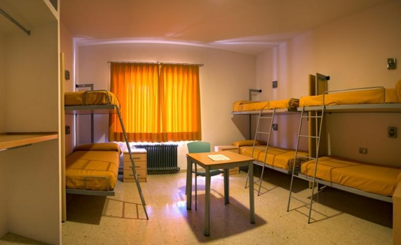 Lits superposés LA LITERAL dans chambre de l'auberge de jeunesse Inturjoven