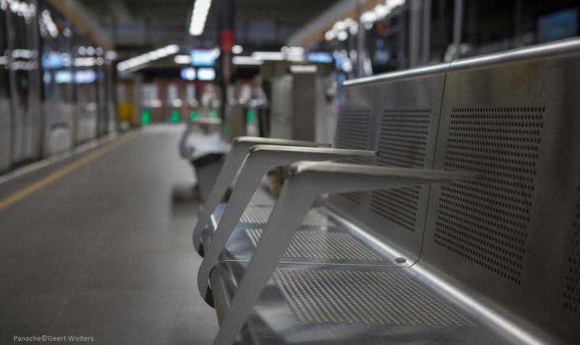 VACANTE passenger terminal seating bench