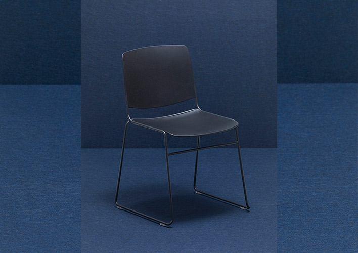 MASS Chair 100/100 are made of 100% recycled and recyclable polypropylene