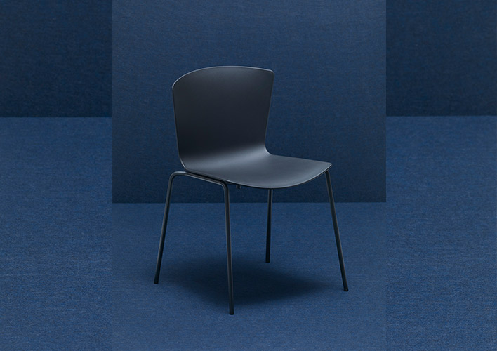 SLAM Chair 100/100 manufactured in 100% recycled and recyclable materials