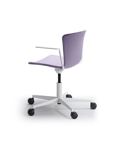 SLAM chair on castors and armrests