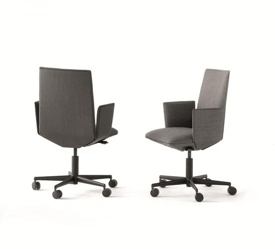 TAYLOR swivel chair with armrests on castors