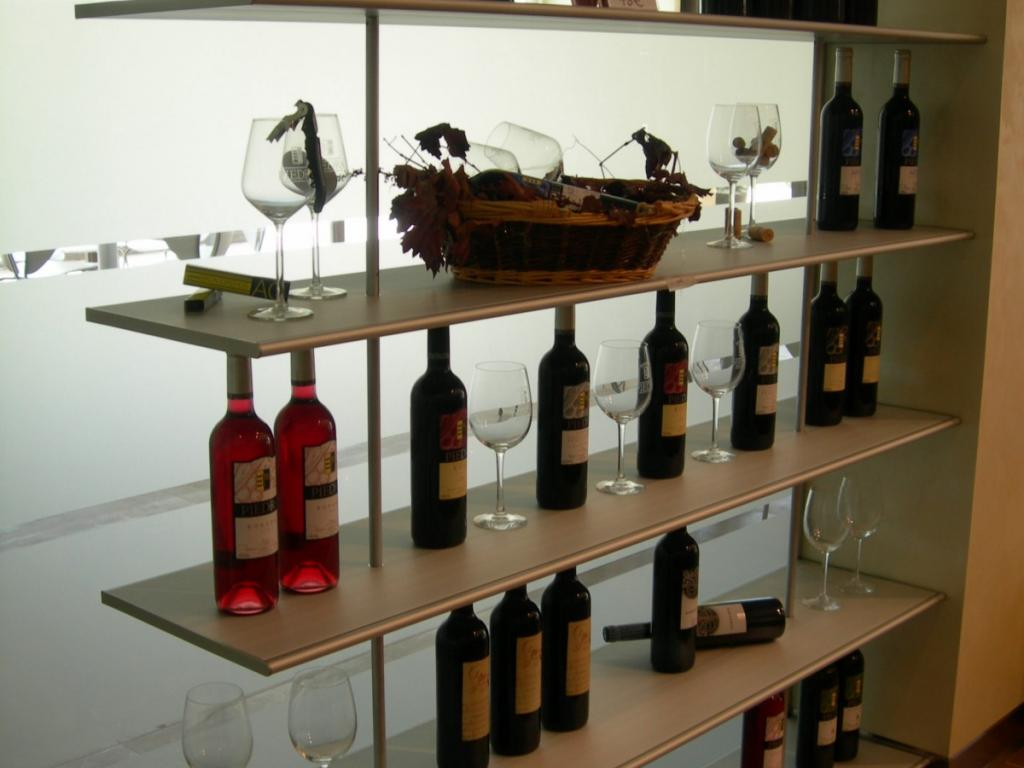 Shop at ESTANCIA PIEDRA Winery in Zamora