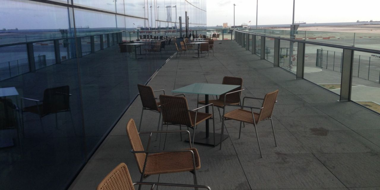 Aéroport de Gibraltar. Table PLANC.