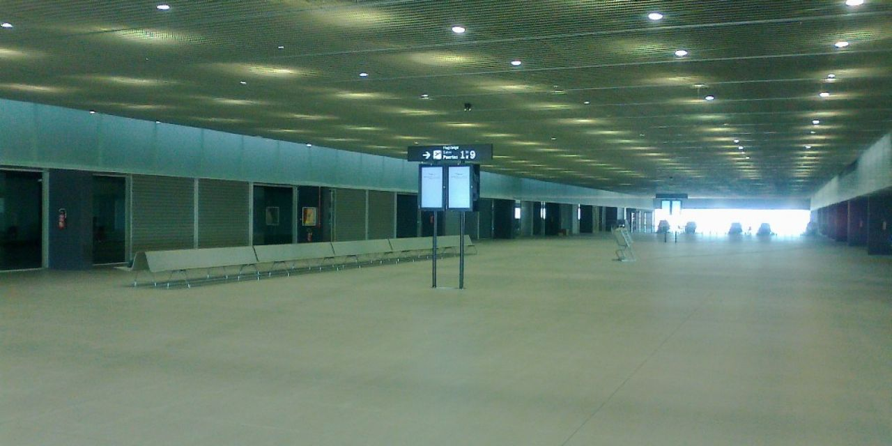 International Airport in Murcia (Spanien). AERO Aluminium Bank