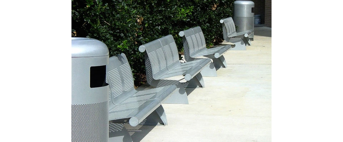 College Station, Texas (USA). VACANTE bench.