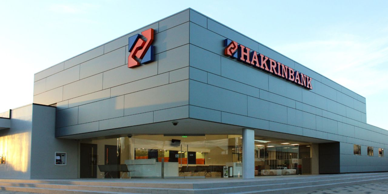 Hakrinbank Offices, Tourtonne (Surinam). Banc AERO Compact.