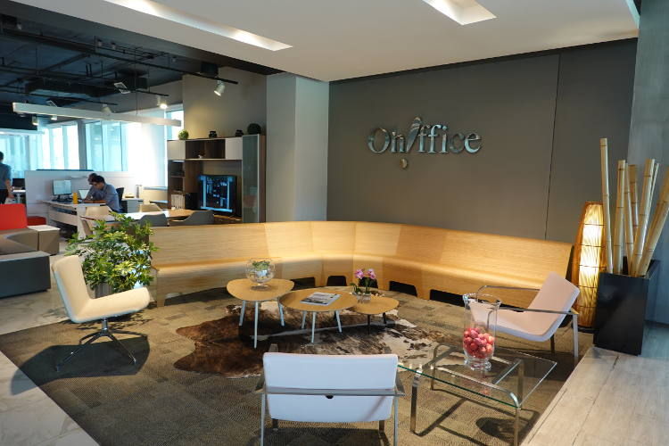 Showroom Ohffice, Santiago (Chile). BACK Modular Seating, SLAM Lounge, STILL, MIX, FAST, LORCA, HAND