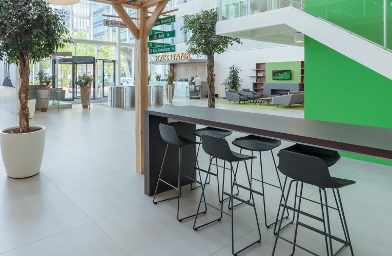 SET Stool and ZUBI Table equips KAS BANK offices